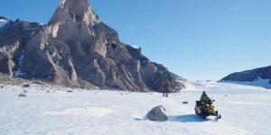 南極セール・ロンダーネ山地での野外調査